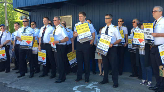Prime Air pilots protest outside Amazon shareholders meeting