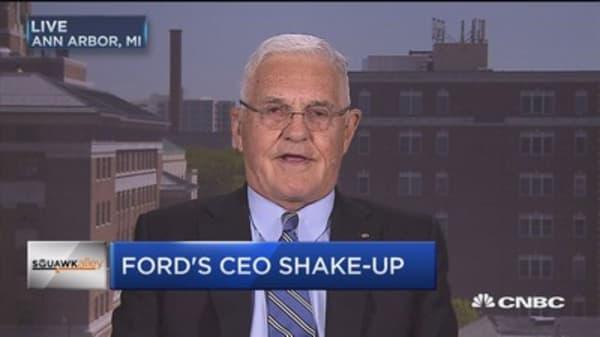 Bob Lutz: Mark Fields was old-fashioned auto CEO