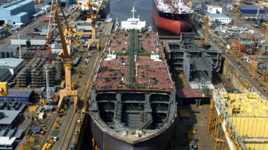 The plant of South Korea's Daewoo Shipbuilding is seen in Koeje island of South Kyongsang province, about 470 km southeast of Seoul May 15, 2001.