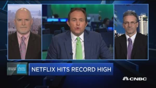 Trading Nation: Netflix hits record high