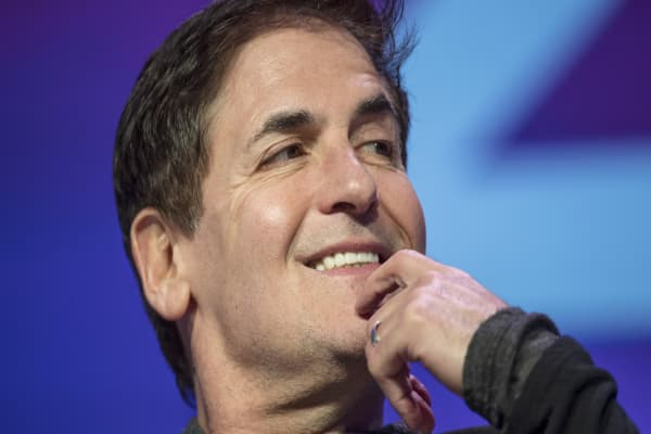 Why Mark Cuban and other famous people don't use credit cards