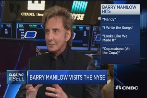 Barry Manilow visits the NYSE