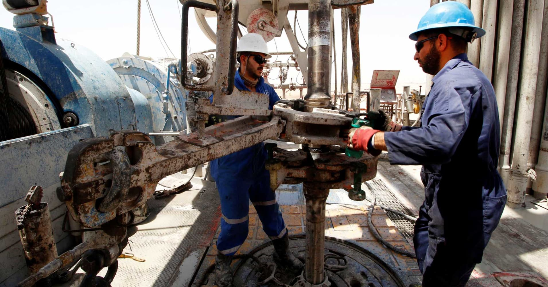 Oil: Iraq bumps up the date for awarding new contracts to April 15