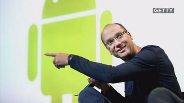 Android founder Andy Rubin unveiled the new Essetial Phone Ph-1