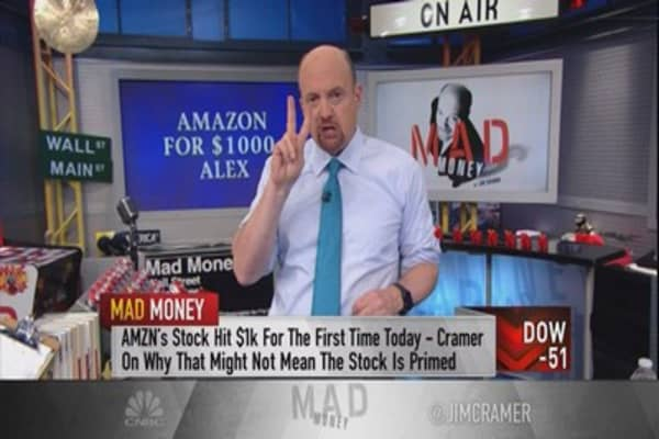 Cramer: Why Amazon crossing $1000 is a potential red flag