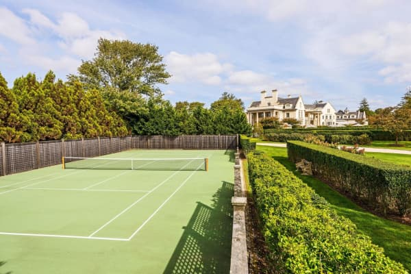 Tennis courts, Villa Maria. Courtesy of Bespoke Real Estate.