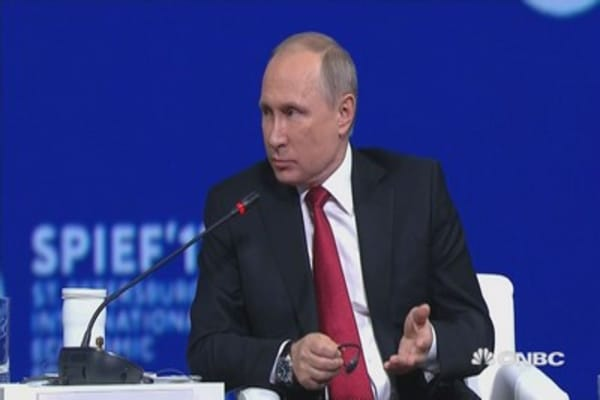 Putin: It would help Russia if NATO were completely 'falling apart'