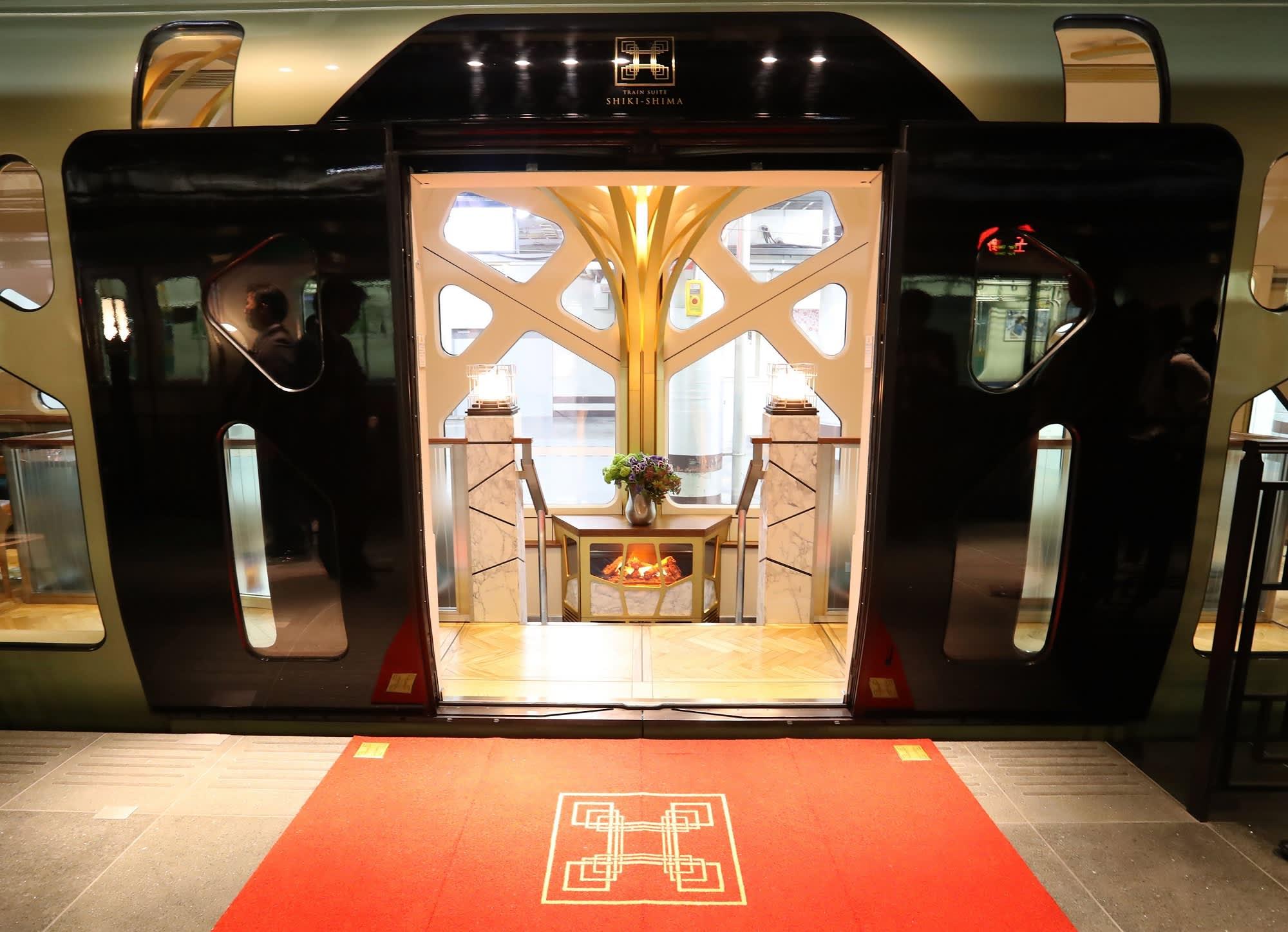 here u0027s what it u0027s like to ride on japan u0027s 12 000 a ticket luxury train
