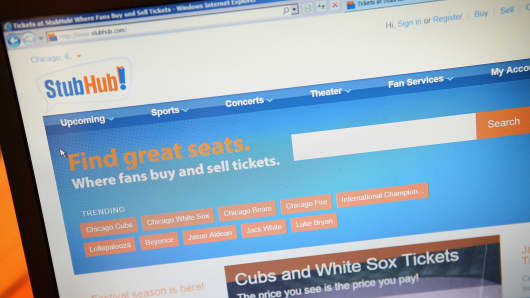 Tickets are offered for sale through StubHub in Chicago, Illinois.