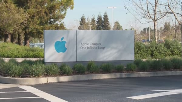Apple gets rare downgrade by Pacific Crest to start week; analyst says own Alphabet instead