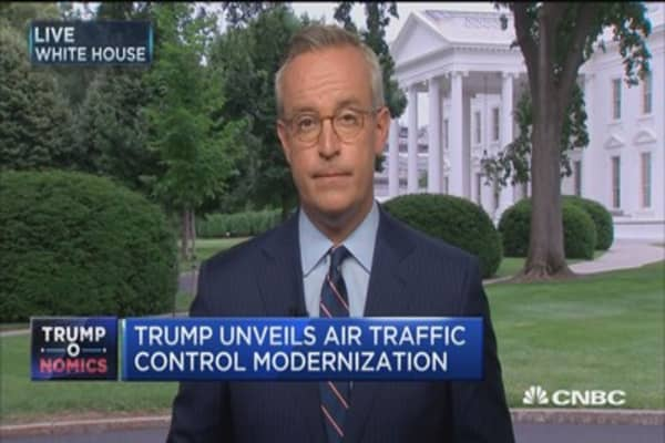 Trump: Air traffic control system is broken