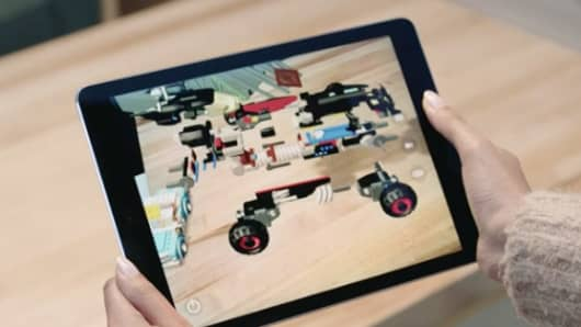 Apple demos AR at the WWDC 2017 in San Jose.