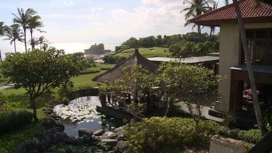 The Pan Pacific Hotel in Bali will shut down in July to make room for Trump International Hotel at MNC Bali Resort. The deal was first signed in 2015.