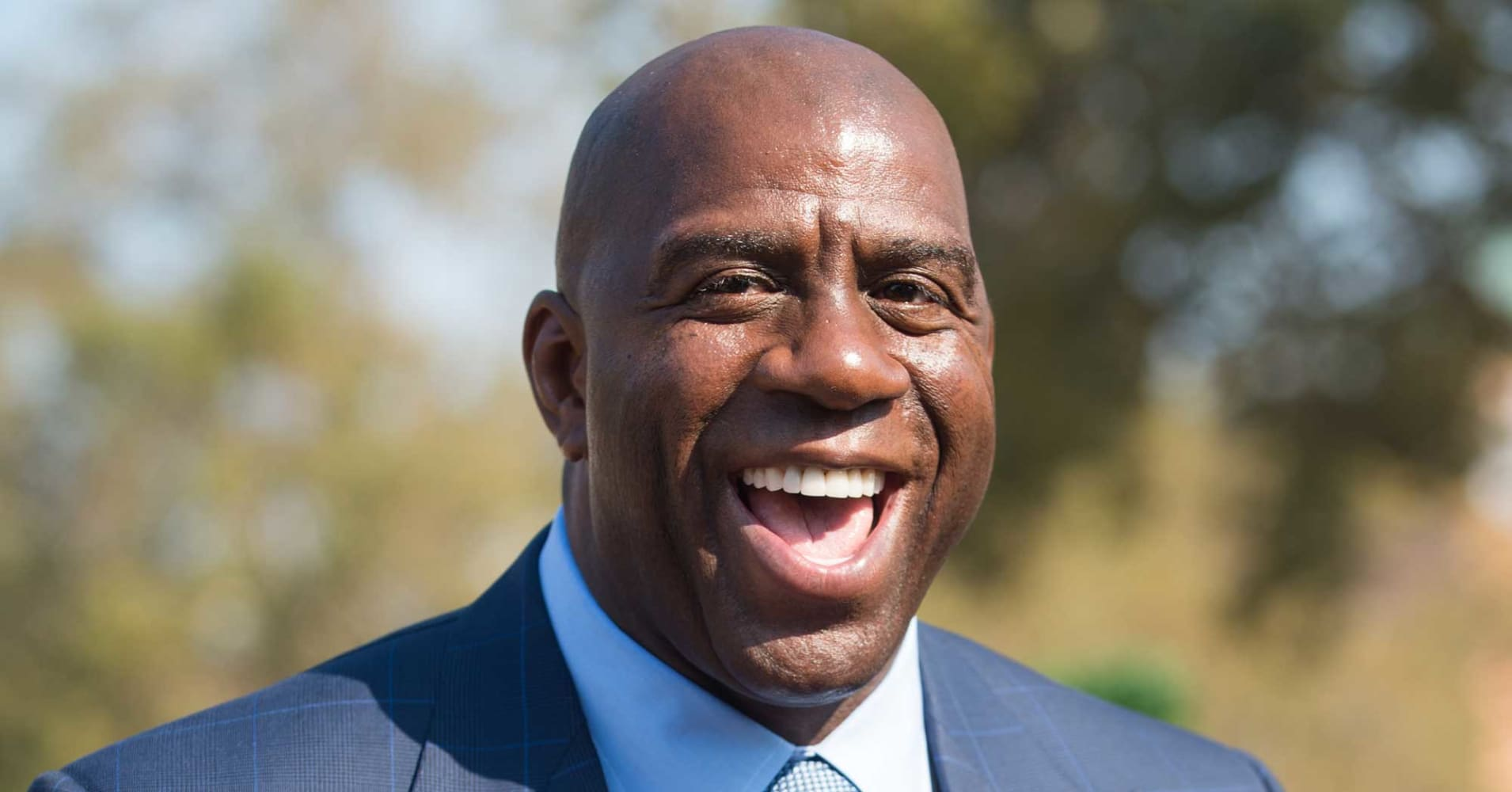Magic Johnson on Warriors Cavaliers sports ratings and Trump