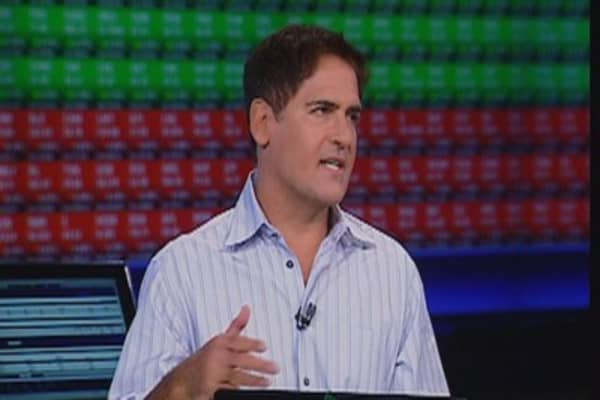 Mark Cuban calls bitcoin a bubble, price falls
