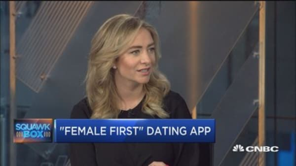How to move from online dating to real life