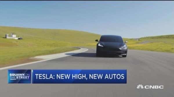Tesla: New highs, new autos