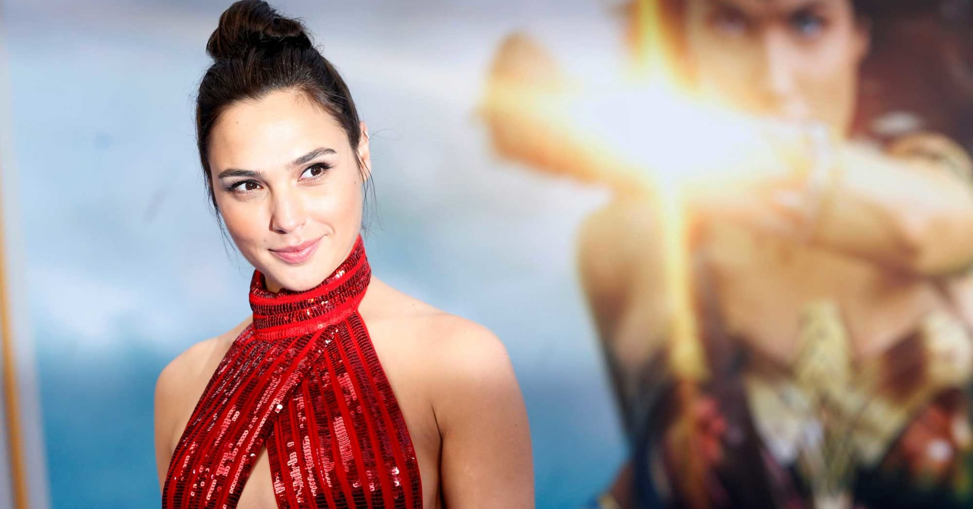 "Gal Gadot poses at the premiere of ""Wonder Woman"" in Los Angeles, California, May 25, 2017."