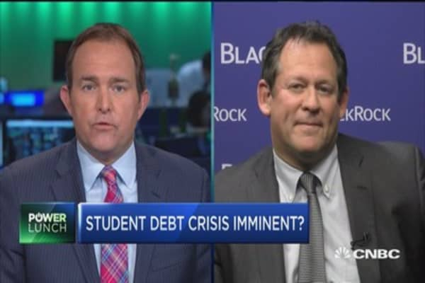 Student loan will drag on the economy: Expert