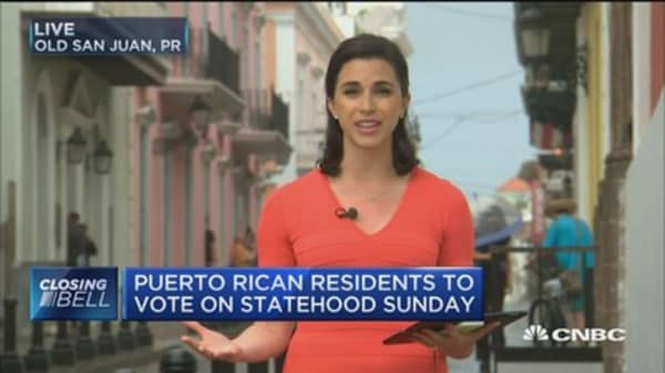 Puerto Rico faces fiscal crisis before vote on Sunday