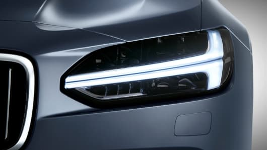 Handout: Volvo S90 7