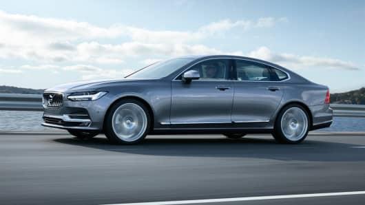 Handout: Volvo S90 4