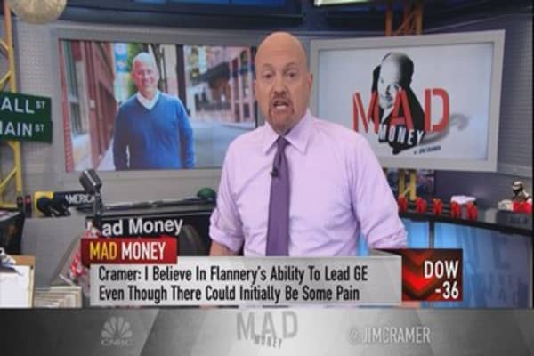 Cramer states the bull case for staying in GE through its leadership shakeup