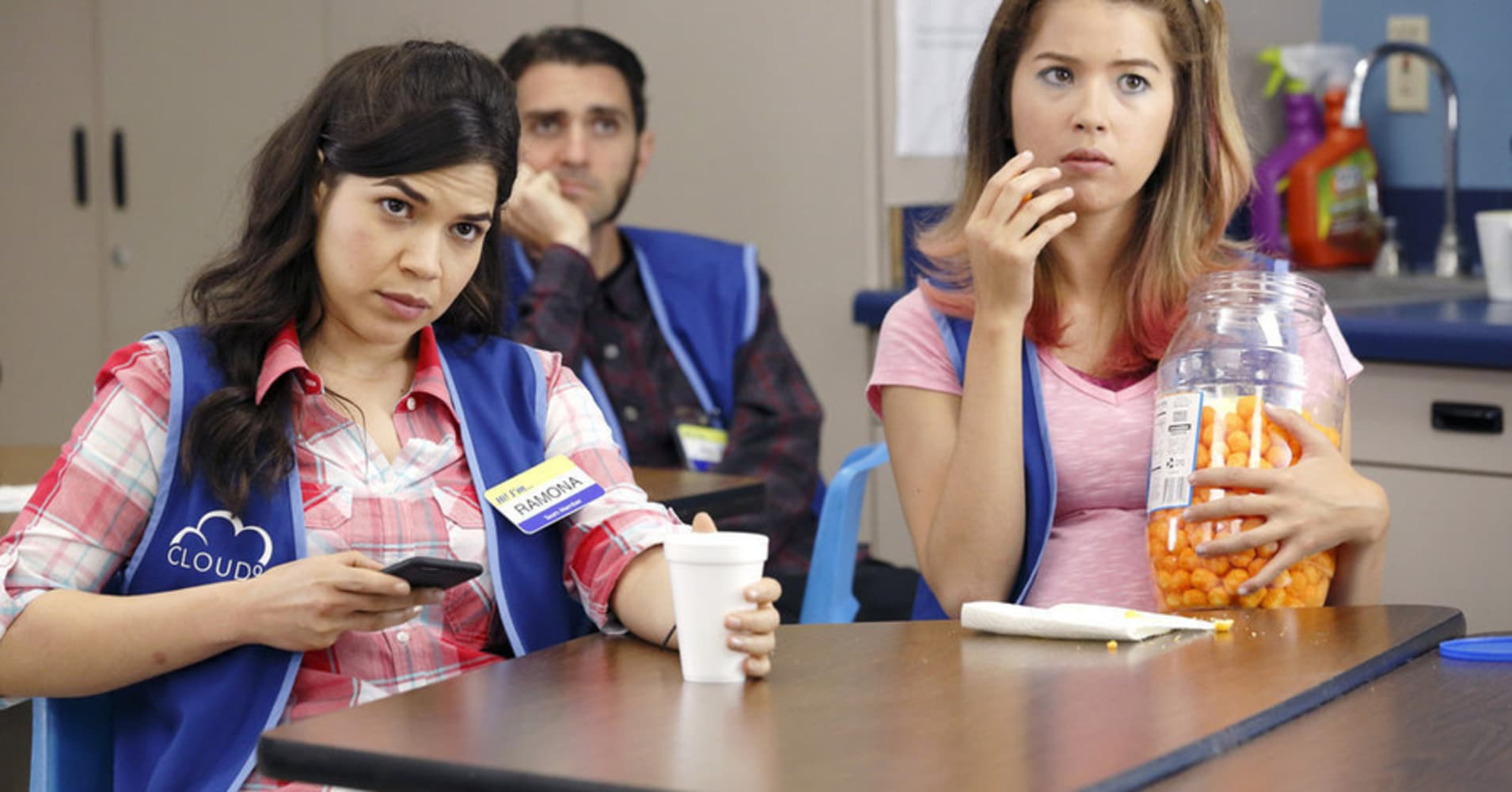 """SUPERSTORE """"Pilot"""" -- Pictured: (l-r) America Ferrera as Amy, Nichole Bloom as Cheyenne (Photo by: Trae Patton/NBC)"""