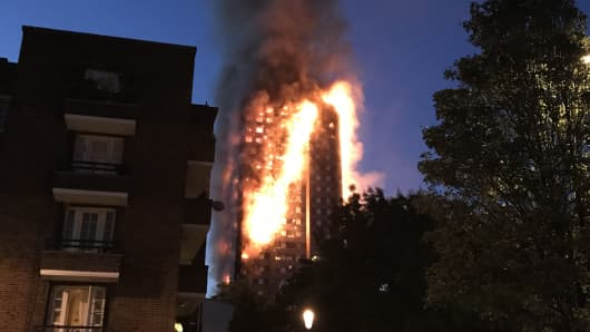 A huge fire engulfs the 24 story Grenfell Tower in Latimer Road, West London as emergency services attended in the early hours of Wednesday morning.