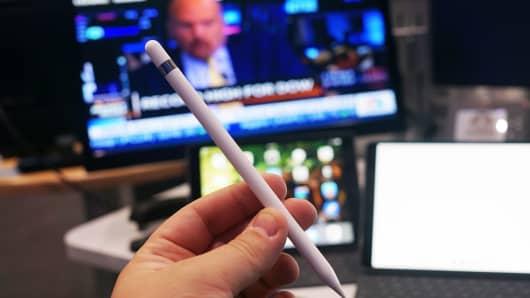 CNBC Tech: iPad Pro 10.5 3