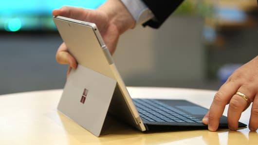 CNBC Tech: Surface Pro review 1