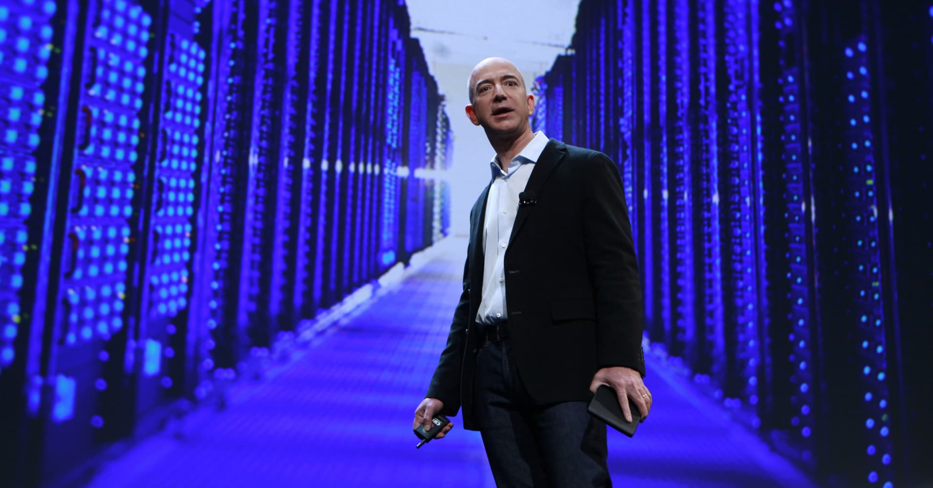 Jeff Bezos fell prey to stolen text messages — here's how to keep yours private