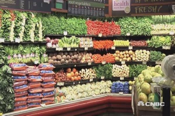 Amazon's Whole Foods bid wipes billions off retailers ...