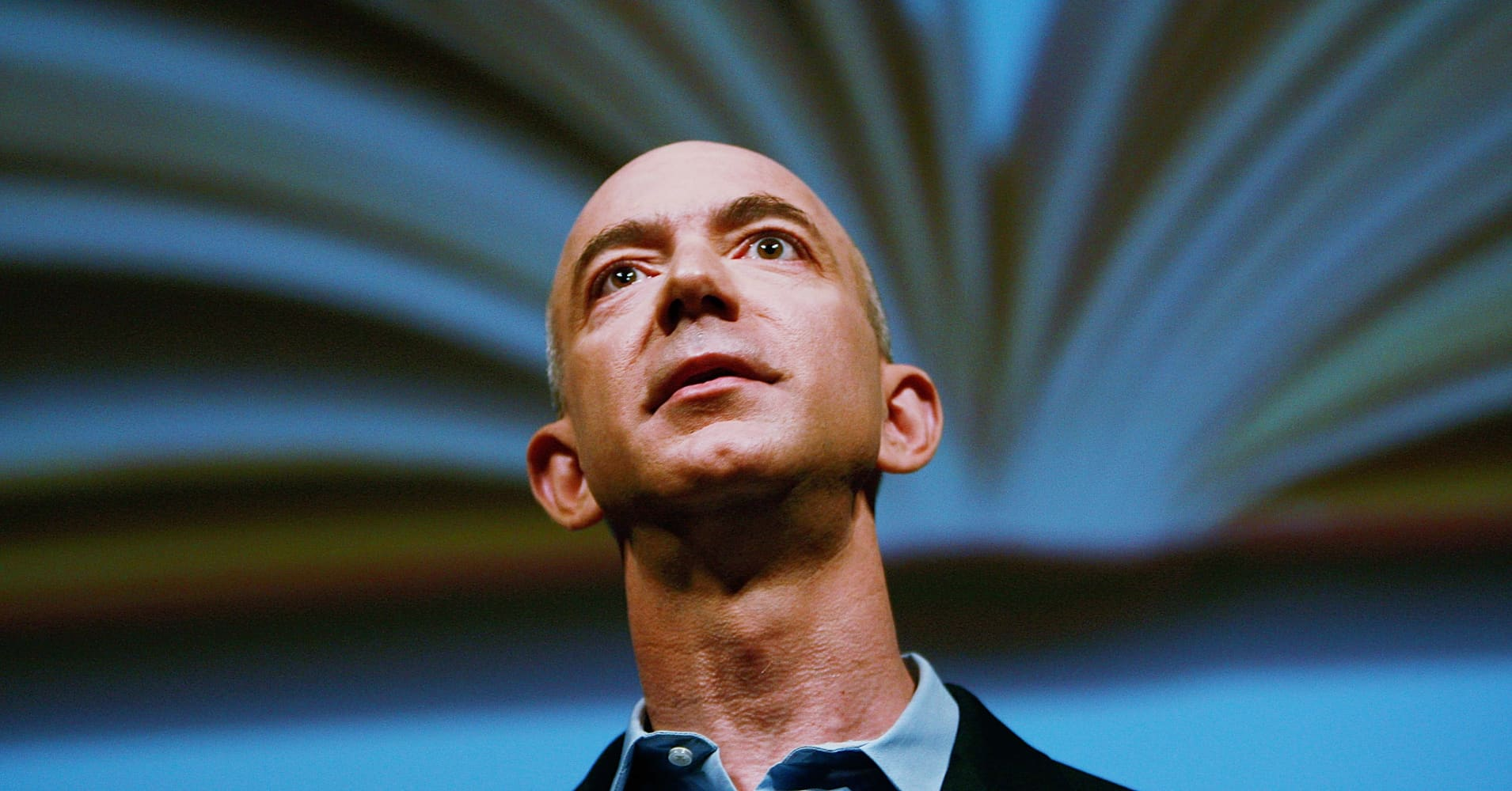 Wall Street says ignore Amazon's stunning earnings miss and trust in Bezos