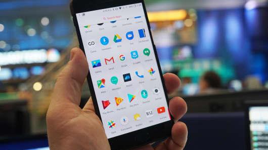 CNBC Tech: OnePlus 5 12