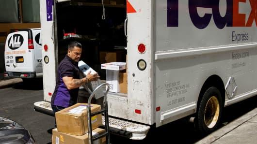 Fedex Stock Quote Interesting FedEx CMO Dismisses Amazon's New Delivery Service