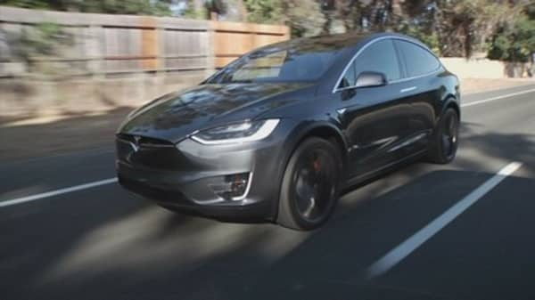 Man killed in Tesla 'Autopilot' crash reportedly got numerous warnings