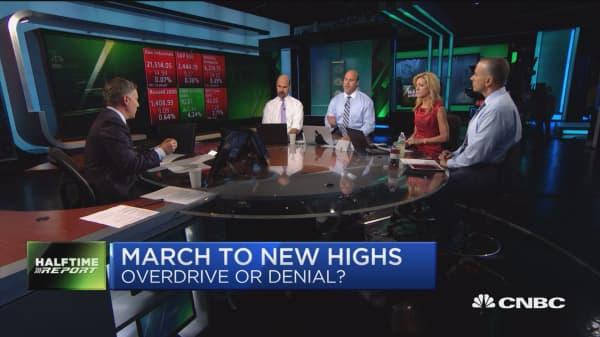 Low oil, weaker dollar are good for stocks: Trader