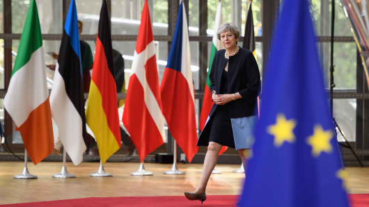 British Prime Minister Theresa May arrives at the EU Council headquarters ahead of a European Council meeting on June 22, 2017 in Brussels, Belgium.