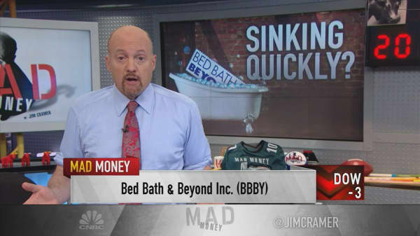 Cramer explains Bed Bath & Beyond's current existential crisis