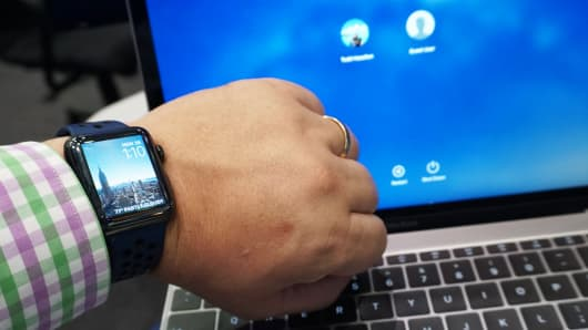 CNBC Tech: Apple Watch how-to feat