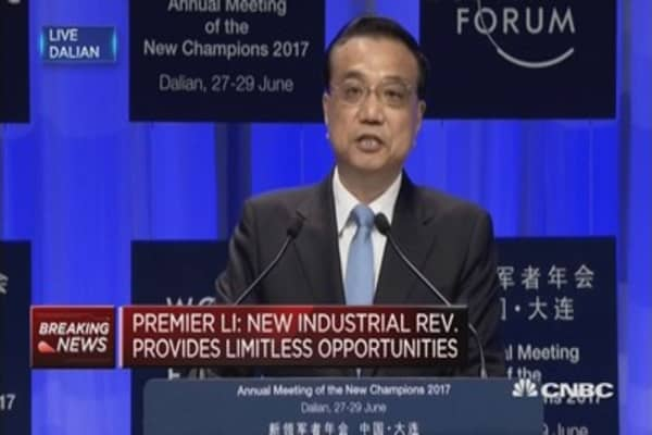'We need to firmly uphold economic globalization', says Chinese Premier Li Keqiang