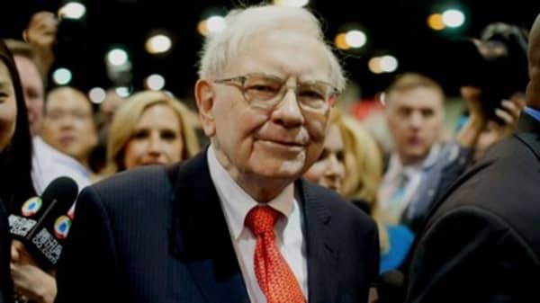 Billionaire Warren Buffett says 'the real problem' with the US economy is people like him