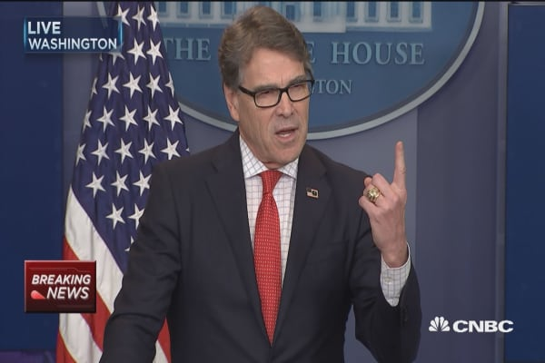 Perry: US leads world in lowering emissions