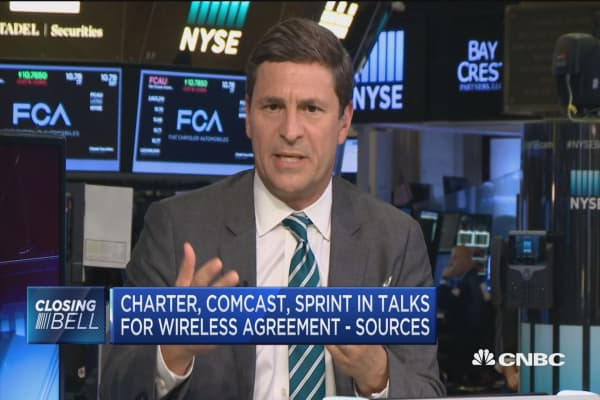 Unlikely Charter, Comcast will buy stake in Sprint