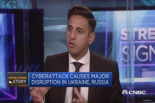 CNBC's Arjun Kharpal discusses recent cyber attacks and advice from security experts