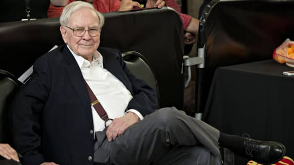 Warren Buffett is worth $75 billion but says he would be 'very happy' with way less