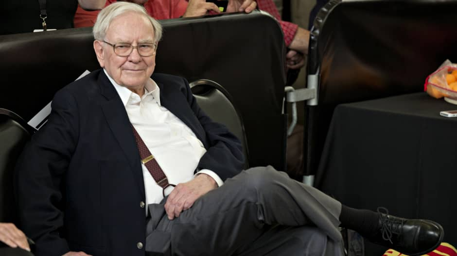 These two men paid over $650,000 for lunch with Warren Buffett—here are 3 things they learned