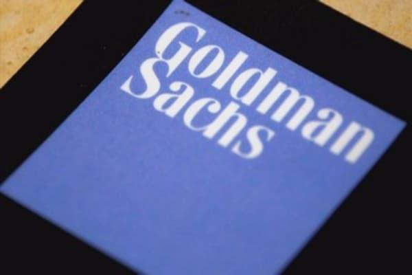 Goldman Sachs slashes oil price projection amid US shale surge