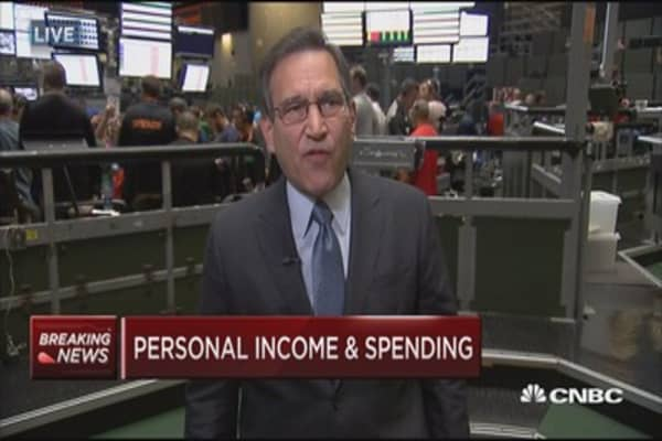Personal income up 0.4% in May
